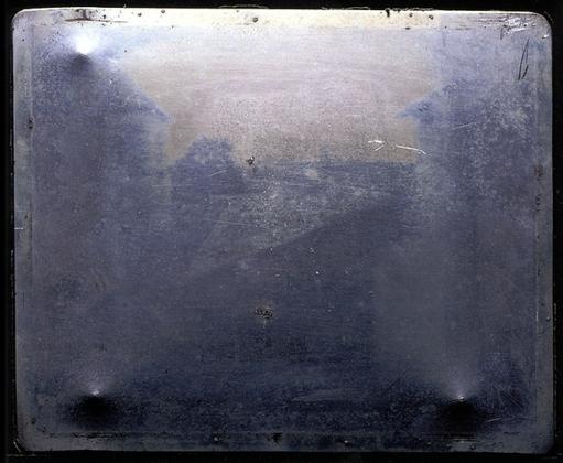 The-Worlds-Oldest-Photograph.-Image-via-hrc.utexas.edu_